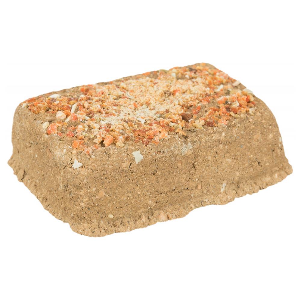 Pedra de argila com cenoura